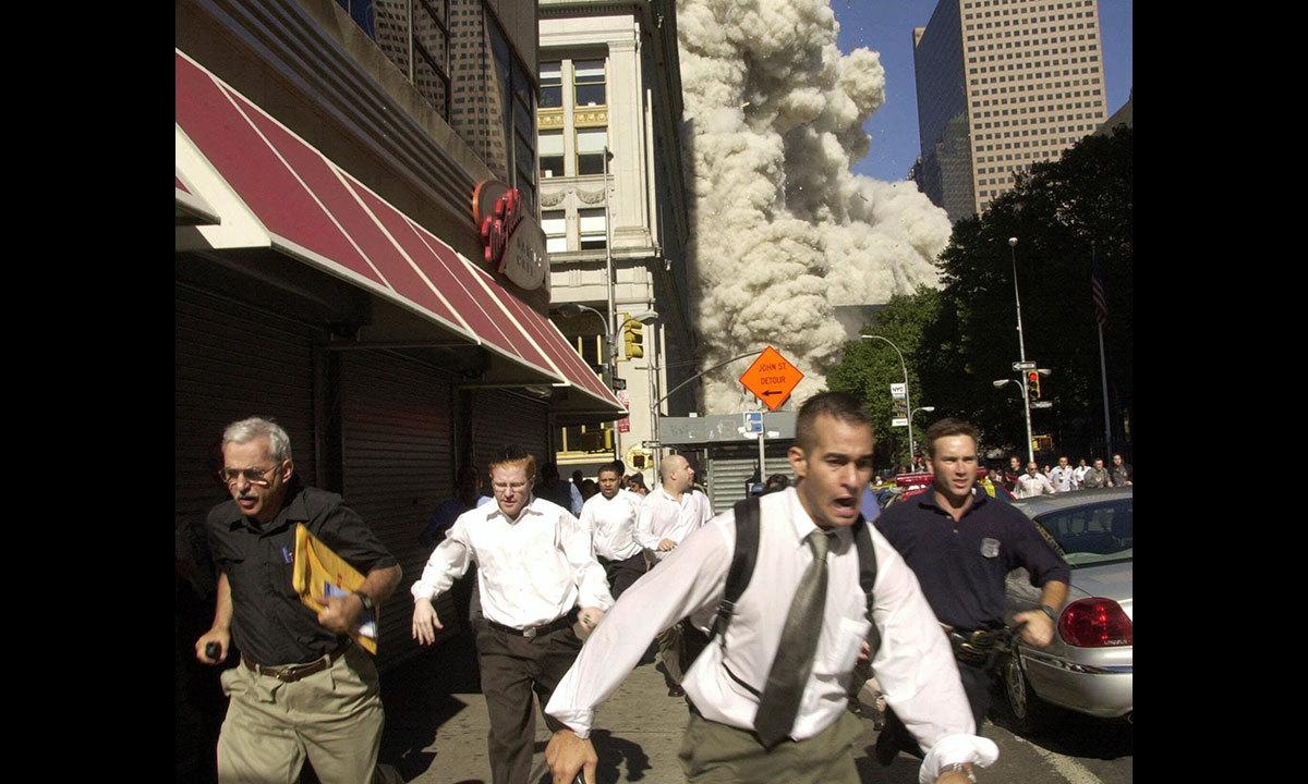11 ستمبر 2001 کا ایک منظر — اے پی فوٹو