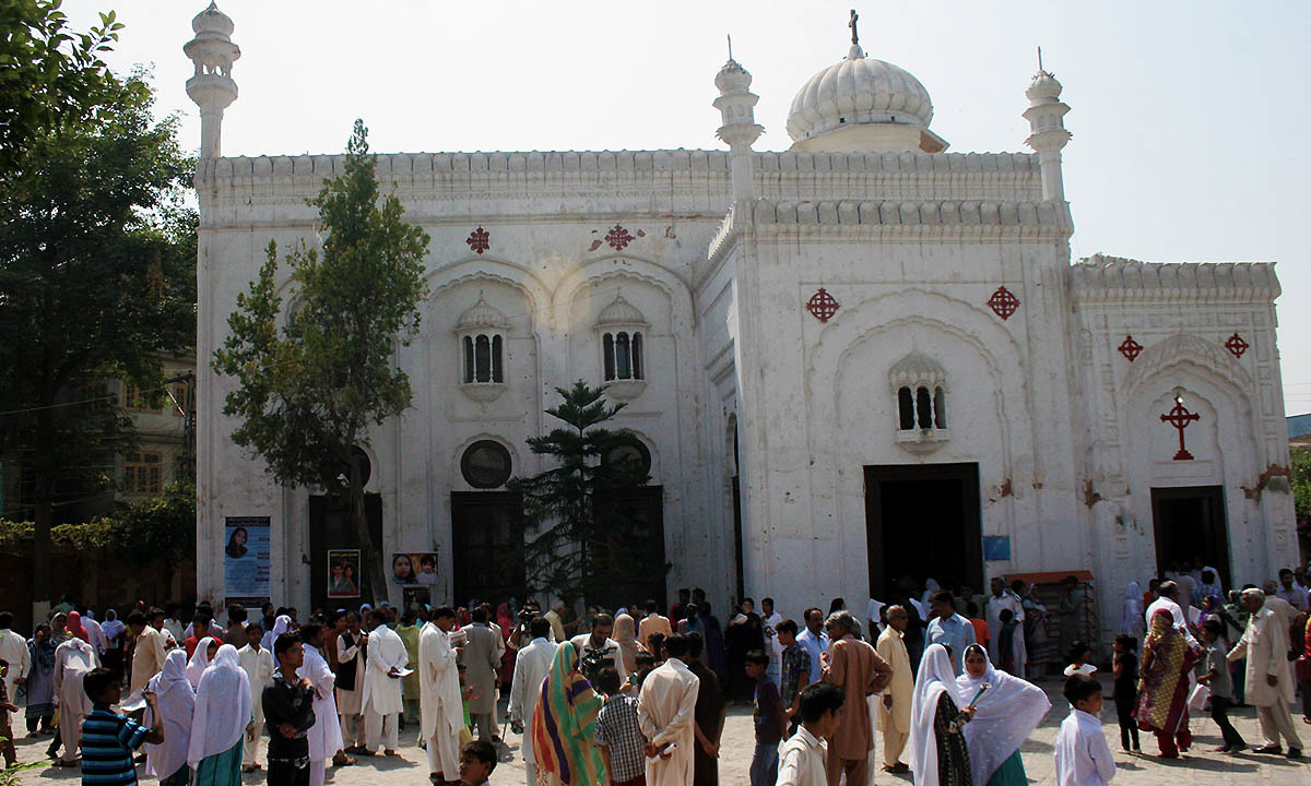 Special services offered for Peshawar Church bombing victims - Pakistan -  DAWN.COM