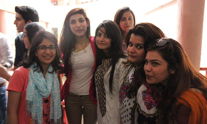 IoBM's film students pose for a picture with actor Urwa Hocaine. — Photo by Muhammad Haseeb Halai