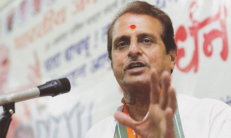 BJP candidate Govardhan Sharma addresses a public meeting at Sinddhi Camp in Akola-Vidharbha