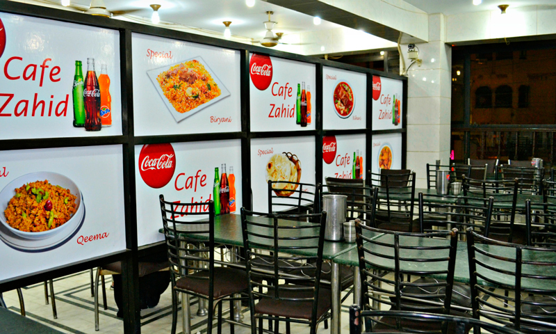 The school cafeteria style seating at Zahid Nihari. – Photo credits: Iman Mufti