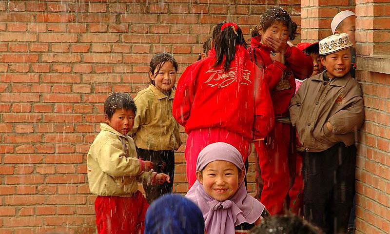 چینی مسلم کمیونٹی کے بچے—۔فوٹو بشکریہ وکی پیڈیا
