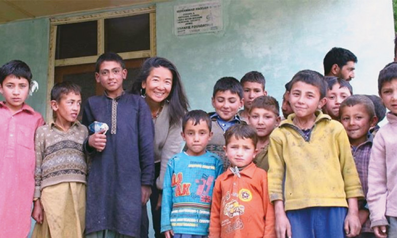 Iara with a group of children at Shigar Fort