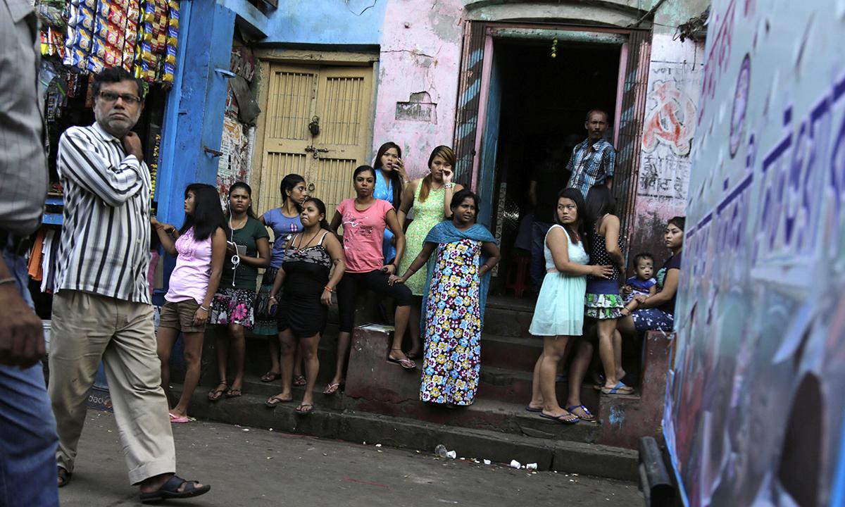 Chennai brahmin teen girl yamini enjoyed be her uk classmate - 3 part 5