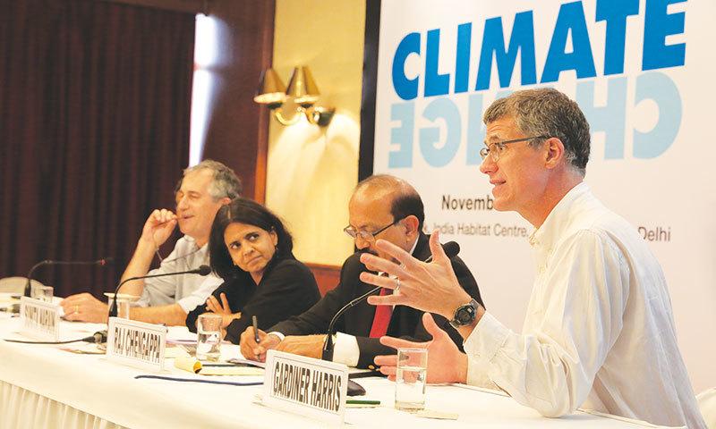 Sunita Narain (centre) at CSE's climate change media briefing in Delhi.