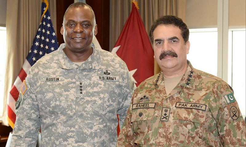 The image shows US Centcom chief General Lloyd Austin and COAS General Raheel Sharif. — Courtesy: DG ISPR's Twitter page