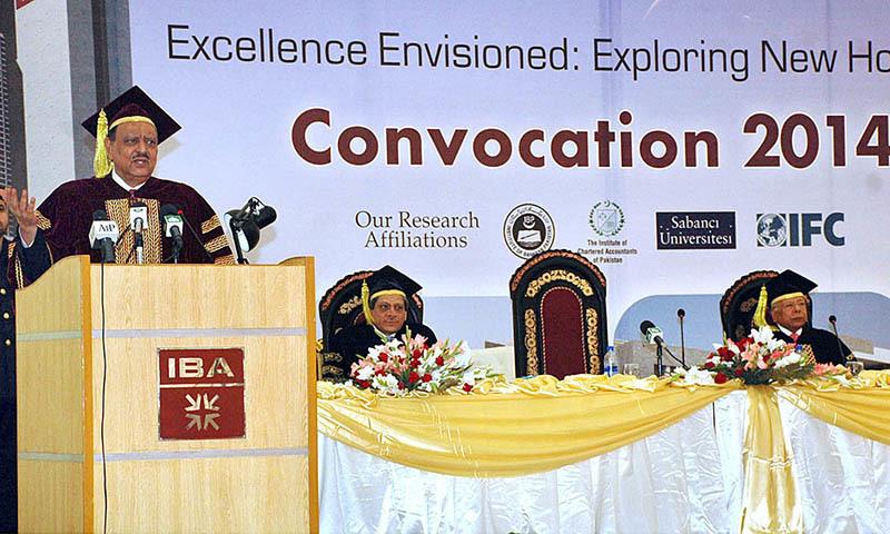 President Mamnoon Hussain addressing at Convocation 2014 of IBA at Karachi University. — APP