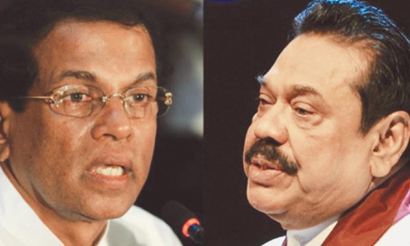 Sri Lankan President Mahinda Rajapakse (right)and opposition presidential candidate Maithripala Sirisena.