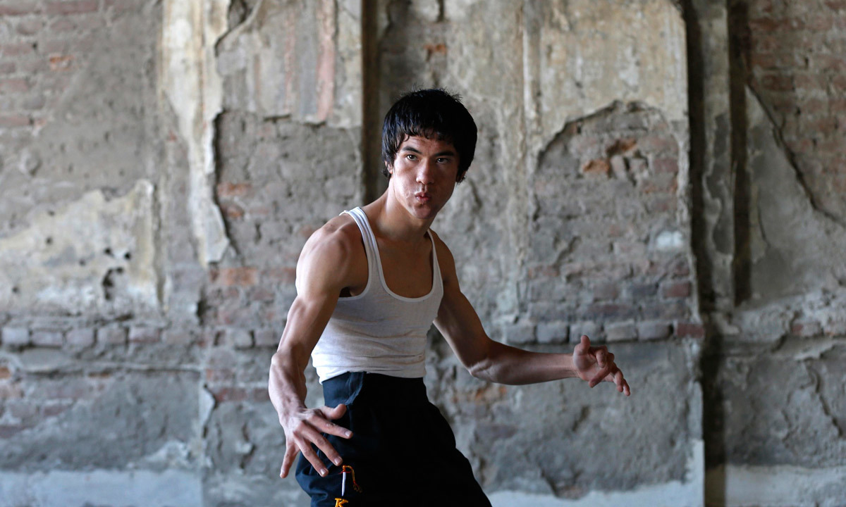 The young Afghan man bearing a striking resemblance to kung fu legend Bruce Lee is high-kicking his way to Internet fame