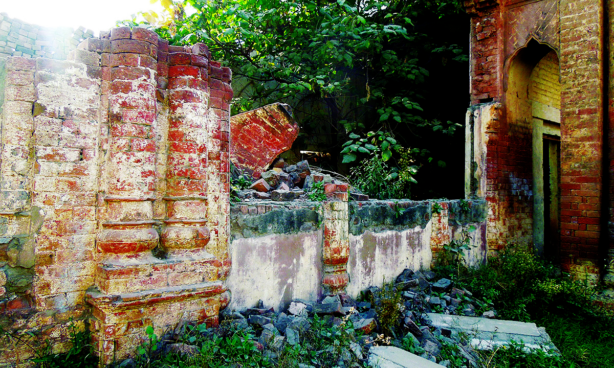 A portion of the temple was demolished in 2010.— Photo by author