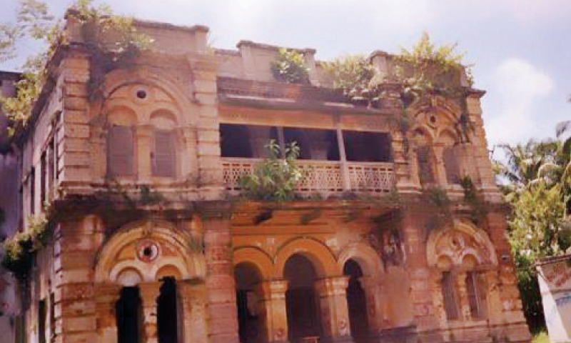 Cilocia Zaidi's abandoned family home in Pabna city, Bangladesh, is part of a law college today.