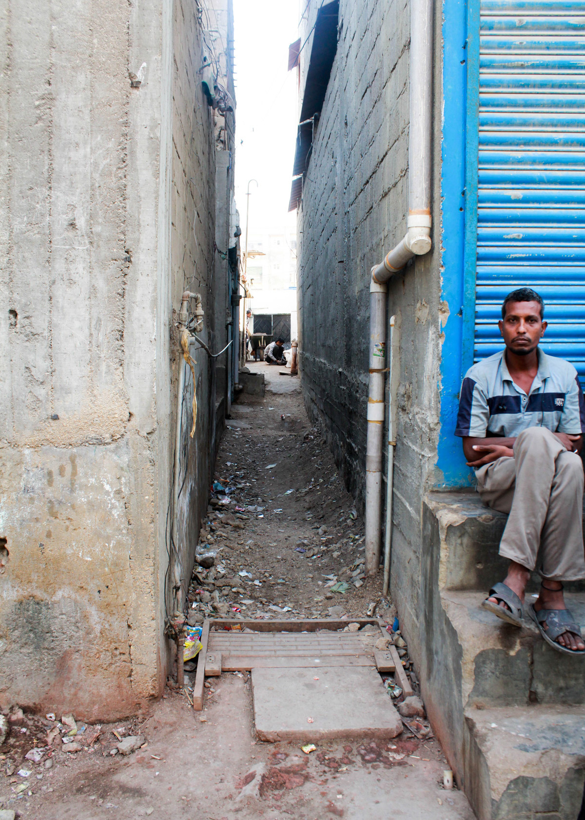 Sanitation is poor in Essa Nagri and the air filled with dust from the unconstructed streets with no asphalt on them.— Umer Sheikh