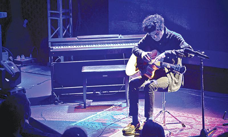 Usman Riaz performs at the AKU auditorium on Thursday.—White Star