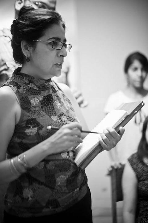 Sabiha Sumar on the sets of GMK. — Photo courtesy: Official Facebook page of 'Good Morning Karachi'