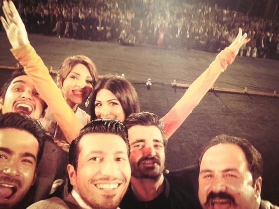 The cast of Jalaibee takes a selfie. - Photo courtesy: Jalaibee's official Facebook page