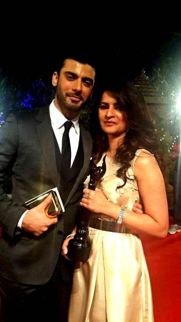 Fawad Khan with his wife Sadaf post-win.— Photo Courtesy: Twitter