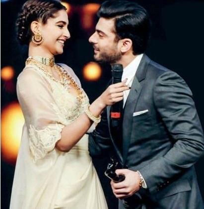 Fawad greets Sonam after receiving his Filmfare.— Photo Courtesy: Twitter