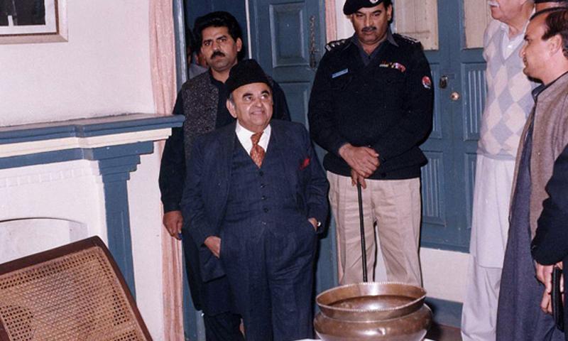 پاکستان سپریم کورٹ کے سابق چیف جسٹس، جسٹس نسیم حسن شاہ — فوٹو: بشکریہ ویب سائٹ اقبال منزل