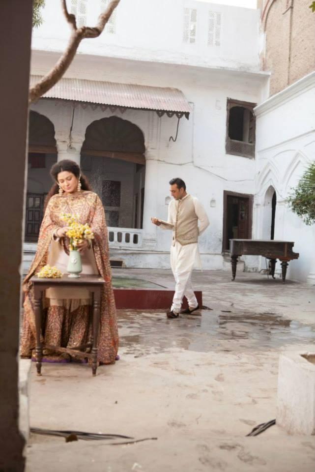Behind the scenes of 'Kithay Nain Na Jorin': Adnan Siddiqui (L) and Sania Saeed on the set. – Photo by Alee Hassan