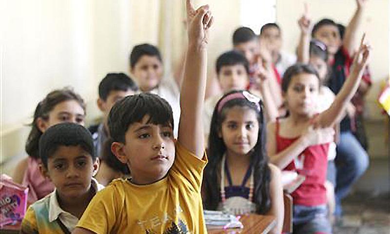 صرف تعلیم عام کرنے سے کچھ نہیں ہو گا بلکہ نصاب و نظام کو جدید تقاضوں سے ہم آہنگ کرنا ہوگا —رائٹرز