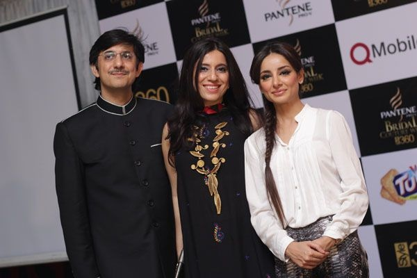 Momina Duraid with her husband Duraid and actor Sarwat Gillani.— Photo courtesy: fashioncentral.pk
