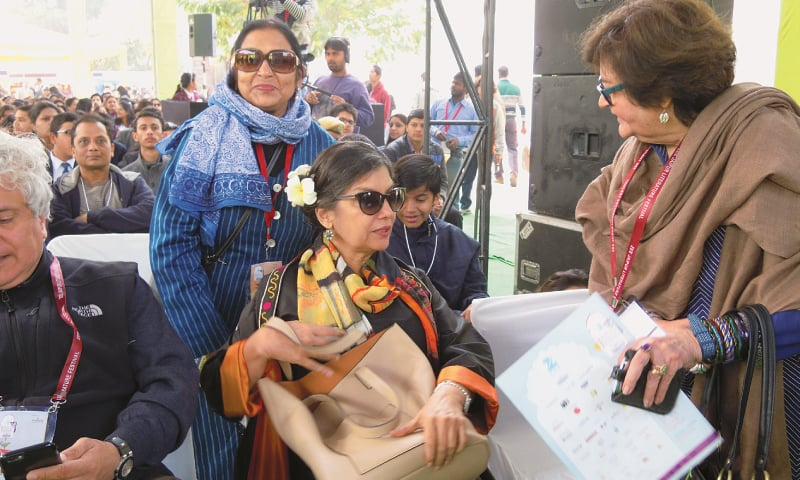 Shabana Azmi (C) and Salima Hashmi (R) with other guests at the JLF
