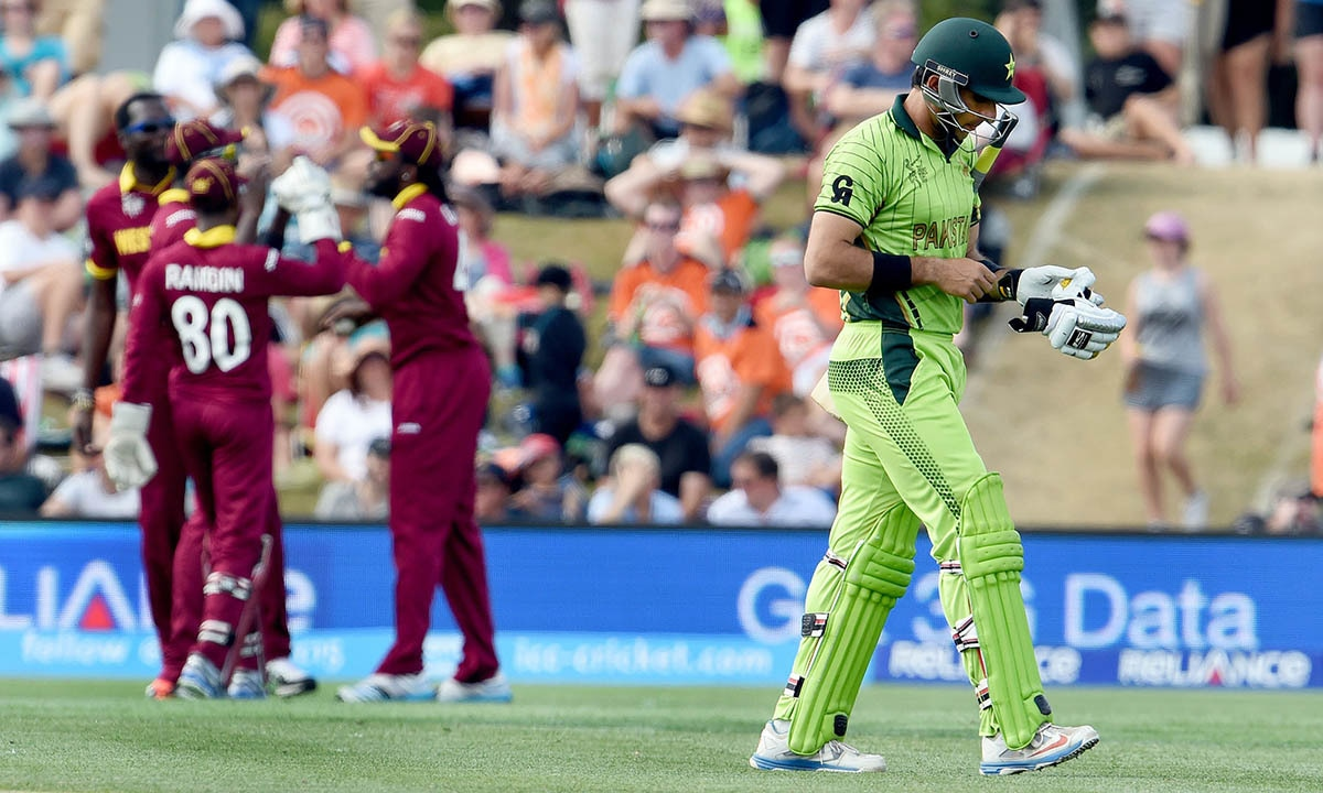 Pakistan captain Misbah-ul-Haq walks off after being dismissed by the West Indies during their 2015 Cricket World Cup Group B match in Christchurch -AFP