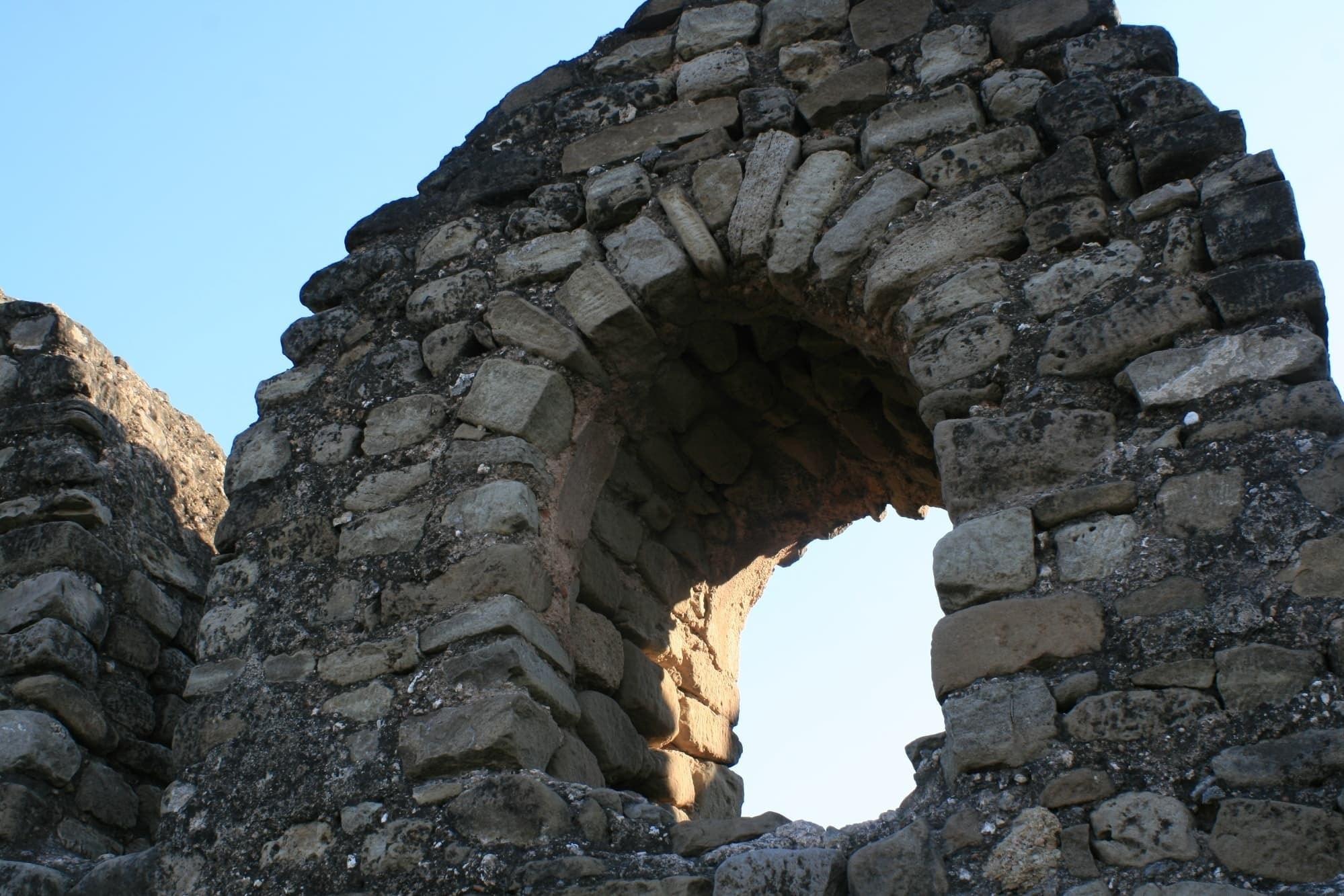 قلعہ کے اندر ٹیریس کی تصویر۔