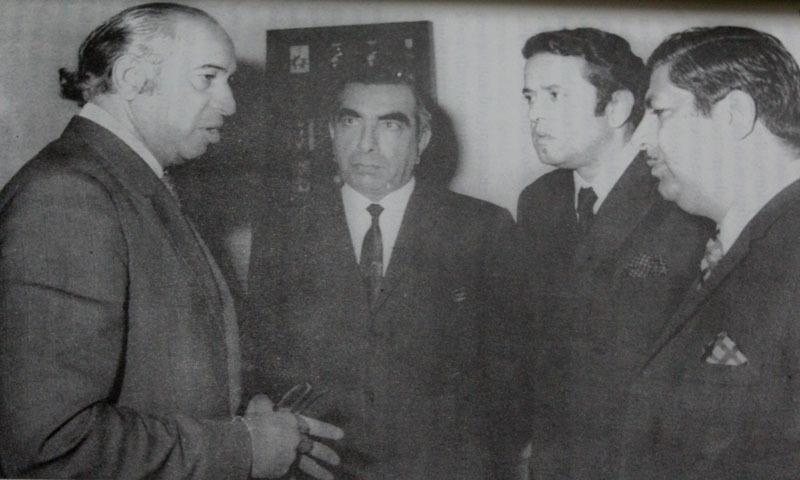 Roedad Khan with Zulfikar Ali Bhutto, Abdul Hafiz Pirzada and Ghulam Mustafa Jatoi — Photo courtesy: Aurangzaib Khan