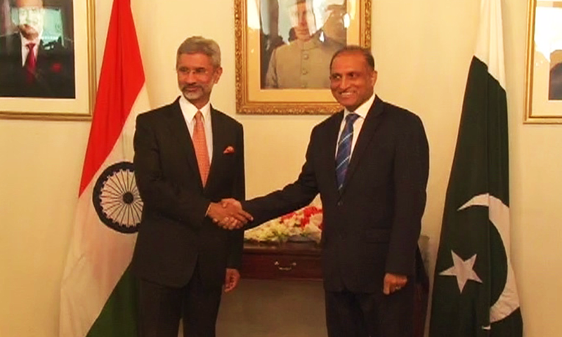 Indian Foreign Secretary S. Jaishankar was greeted by his Pakistani counterpart Aizaz Chaudhry at the Foreign Office. -DawnNews screengrab