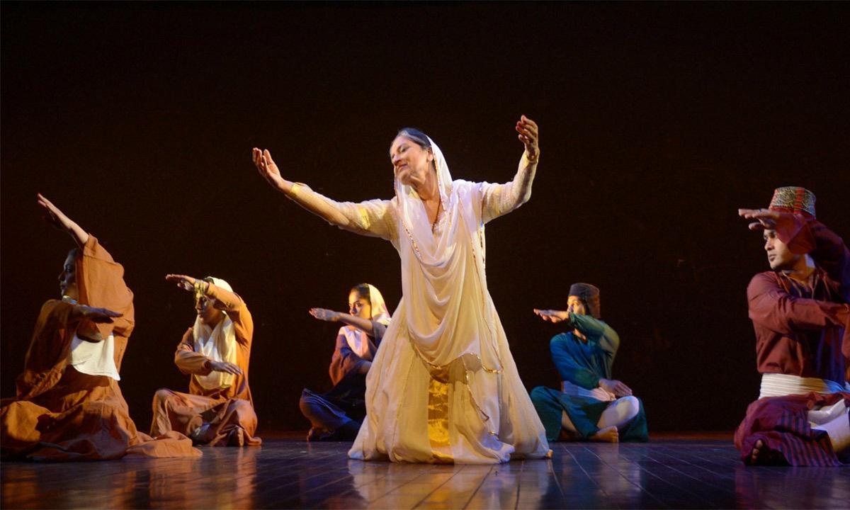 Sheema Kirmani takes part in a performance on International Women's Day in Karachi. – AFP