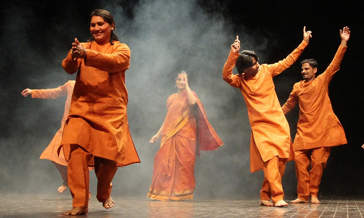 """Classical dancer Sheema Kirmani, performs """"Dance for Peace"""", with co-artists. – AP"""