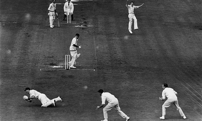 Mahmood Out...English bowler Peter Loader jumps for joy as Godfrey Evans dives to catch Pakastani cricketer Fazal Mahmood for a duck during the final Test against Pakistan at the Oval, 12th August 1954. The test lasted for five days and Pakistan won by 24 runs. (Photo by Central Press/Hulton Archive/Getty Images)