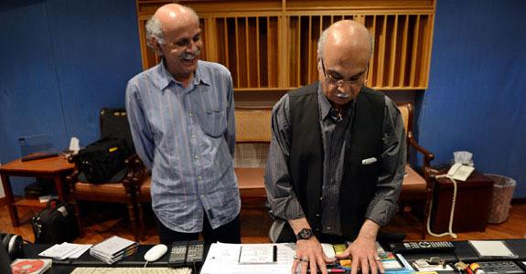 The duo behind the Sachal Studios, Mushtaq Soofi and Izzat Majeed [Photo by Azhar Jafri/White Star]