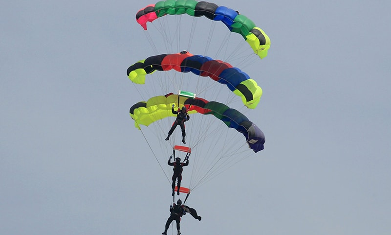 Divers had jumped from 10,000 feet and can also jump 25,000 feet, that too in night. —Reuters