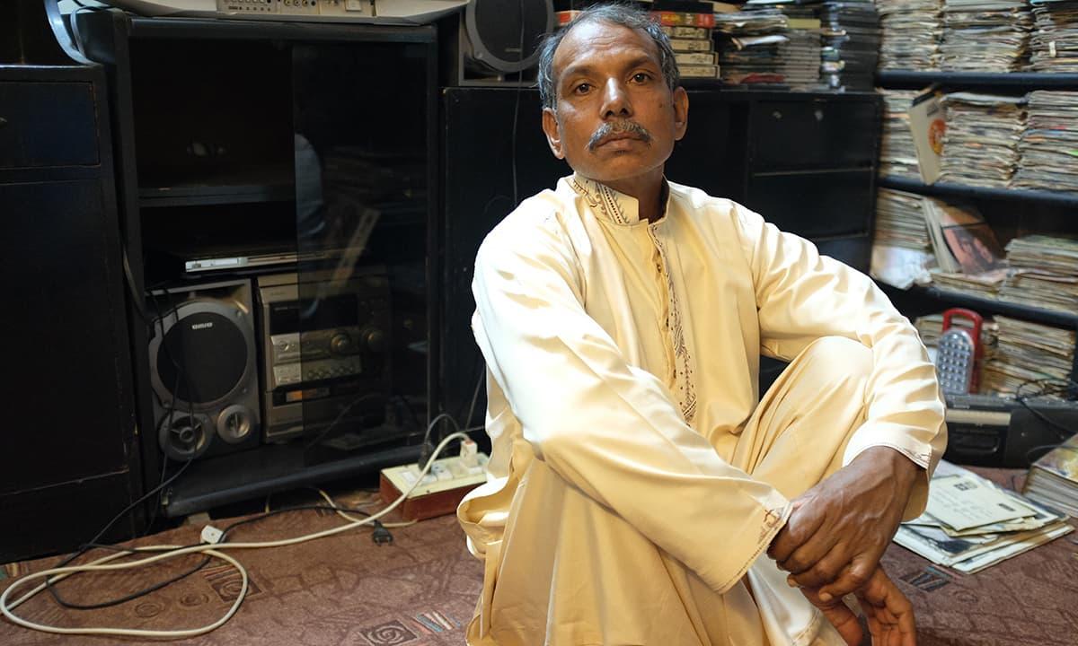 Liaquat - Guddu's helper and a fellow Cinema enthusiast
