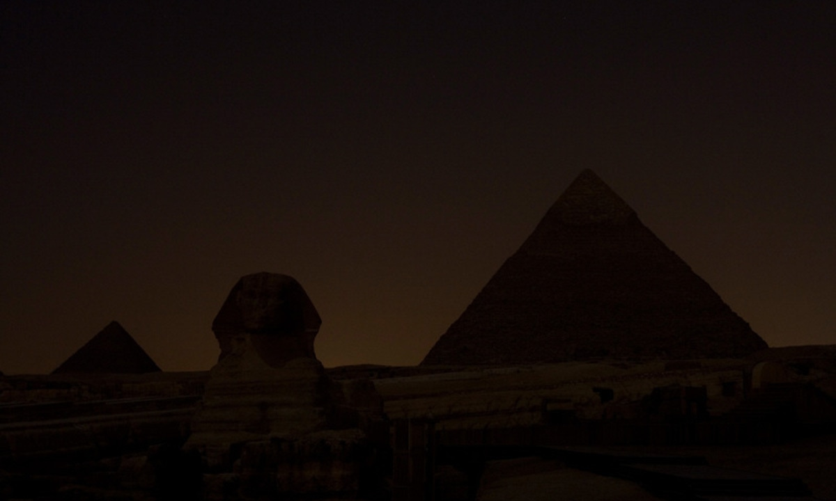 Earth Hour 2010: Skyline showing the Sphinx and the Pyramids after the lights are switched off for Earth Hour, Giza, near Cairo, Egypt. —WWF/Jason Larkin