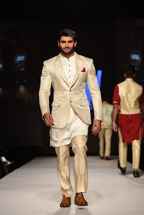 Amir Adnan's layered look.