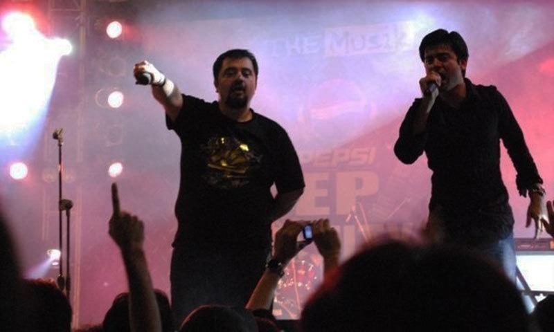 Fawad Khan performs with Ahmad Ali Butt.— Photo courtesy: the mediaray