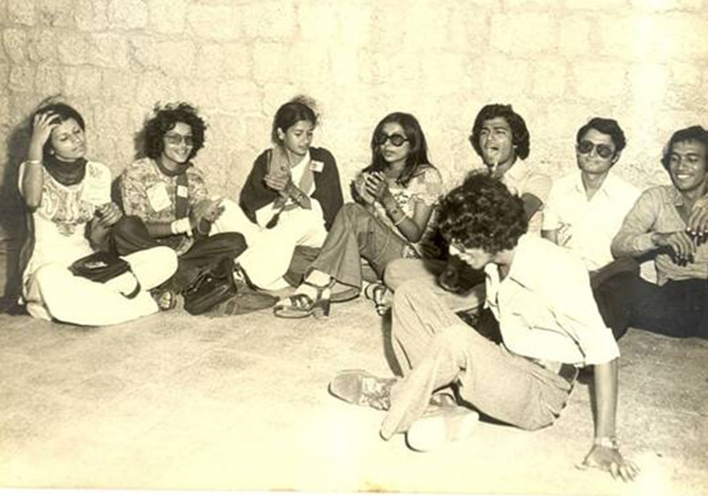 Students relax at the Karachi University in 1973.