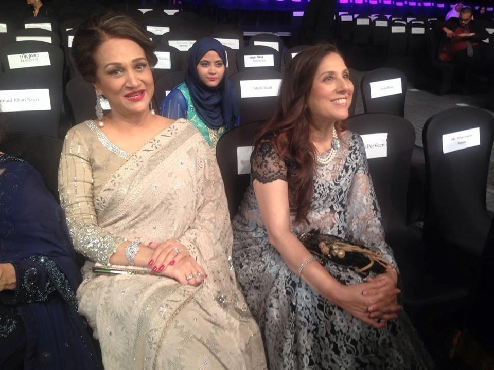 The veteran actors looked elegant in their saris. — Photo courtesy: Hamna Zubair