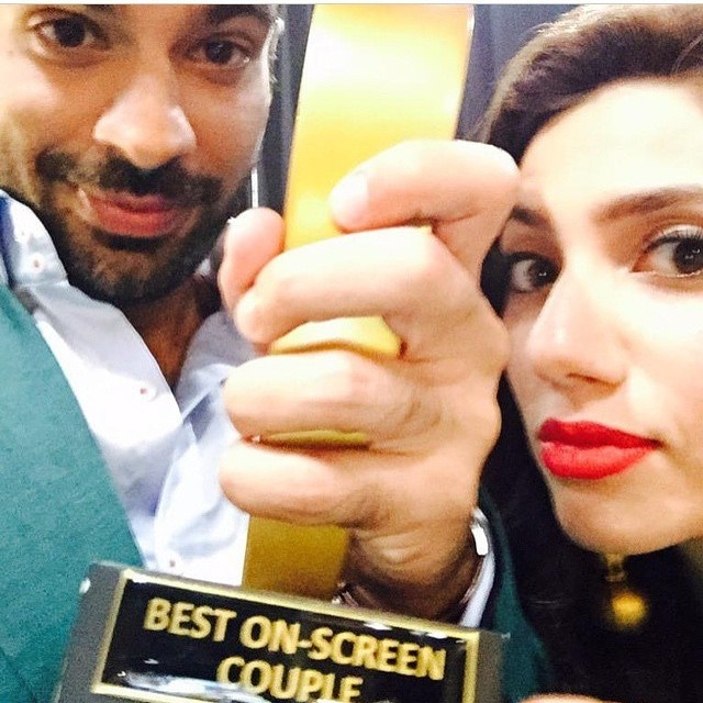The Sadqay Tumharay co-stars pose for a selfie. — Photo courtesy: Instagram