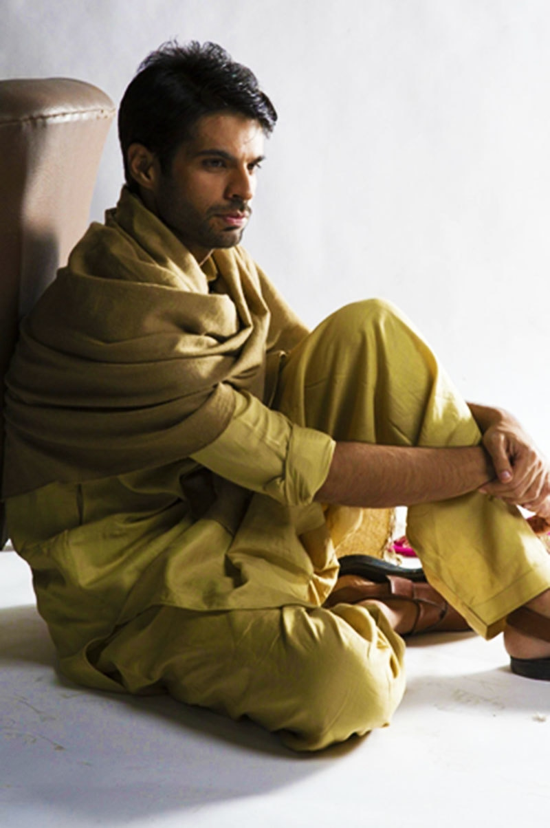 Adnan Malik as Khelu—Photo Courtesy: hum.tv