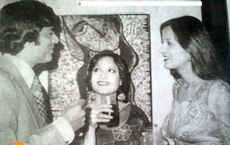 Murad at a party in Karachi in 1975. On the right is famous TV actress of the 1970s, Saira Kazmi.