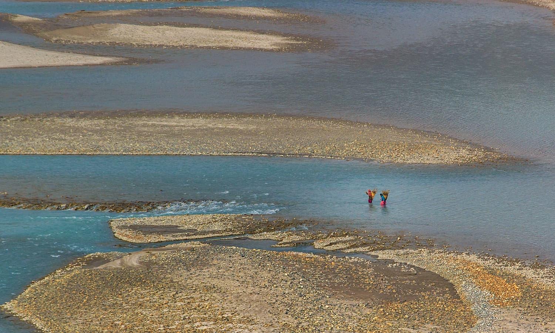 Crossing Shyok river. — S.M.Bukhari