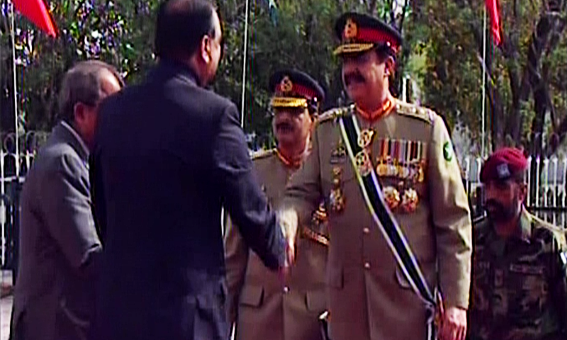 Gen Raheel Sharif arrives for the joint parliament session. — DawnNews screengrab