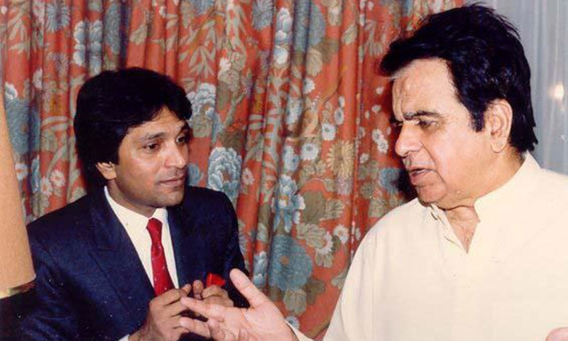 Moin Akhtar with Dilip Kumar.— Photo courtesy: pak101