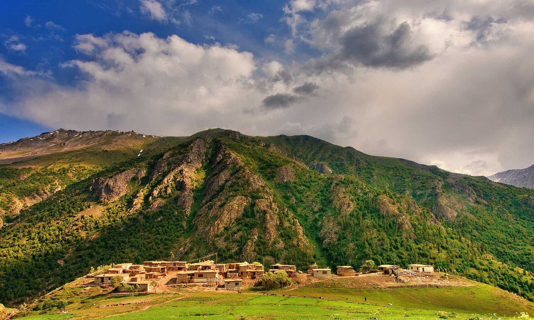 چلم گاؤں — فوٹو سید مہدی بخاری