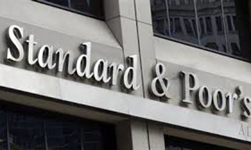 The per-capita GDP was estimated to increase 4.3pc to about $1,460 this year, from 5.4pc in 2014. S&P affirmed Pakistan's 'B-' long-term and 'B' short-term sovereign credit ratings.   ─ Reuters/File