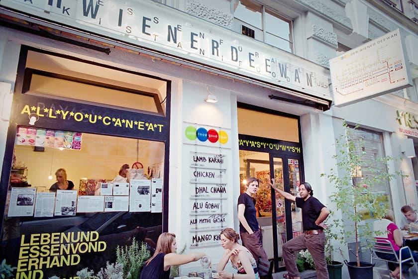 Der Wiener Deewan from the street. — Sebastian Schoofs